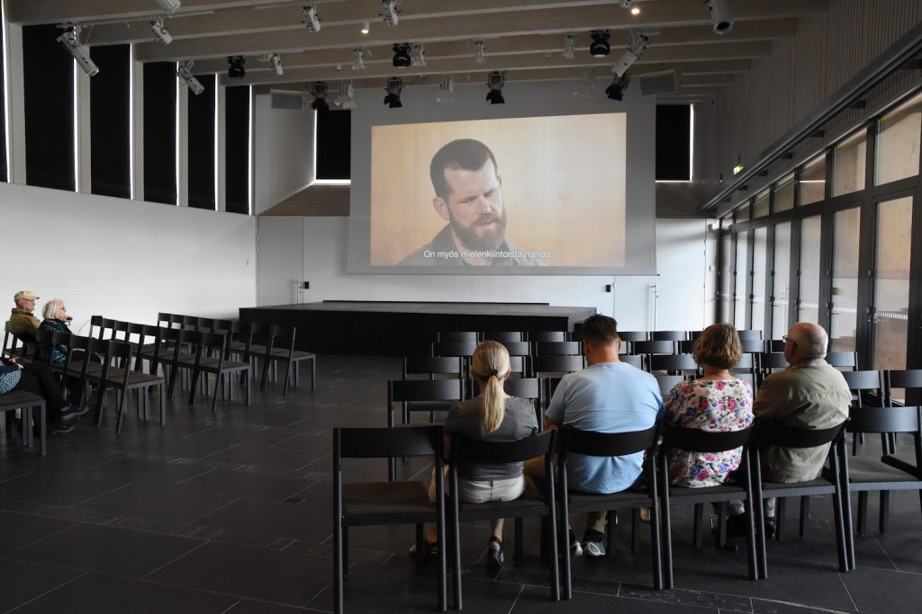 Film shows at Serlachius Museums give background information on art, history and exhibitions of the museums.