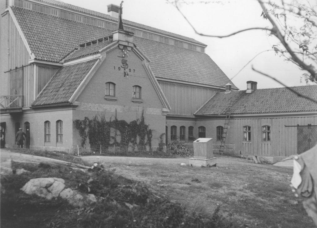 Joenniemen navetta. Serlachius-museoiden kuvakokoelma.