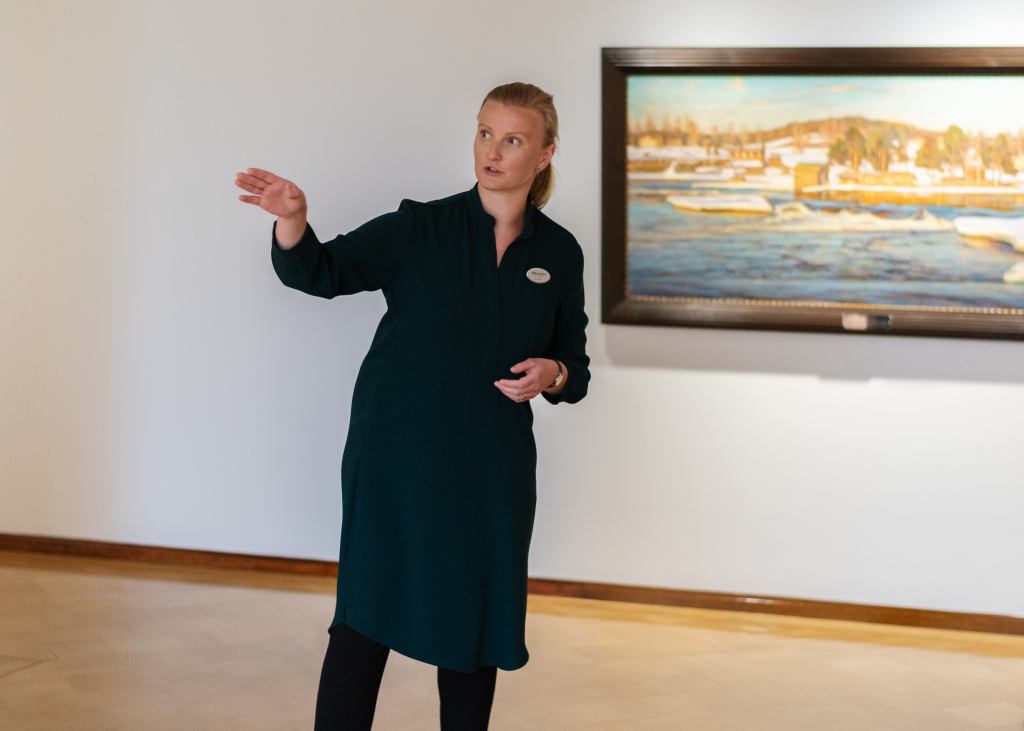 On a guided tour to Serlachius Museums Gösta you will learn interesting stories about history and art.