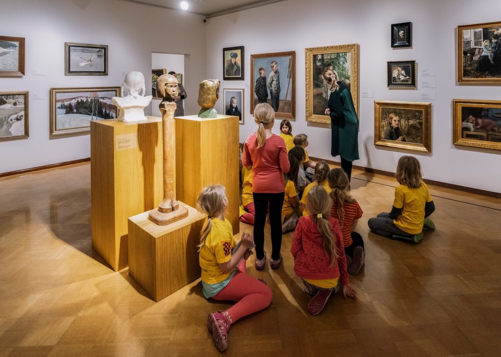 Serlachius Museums offer art or history themed guided tours and workshops for schools and pupils in Tampere Region.