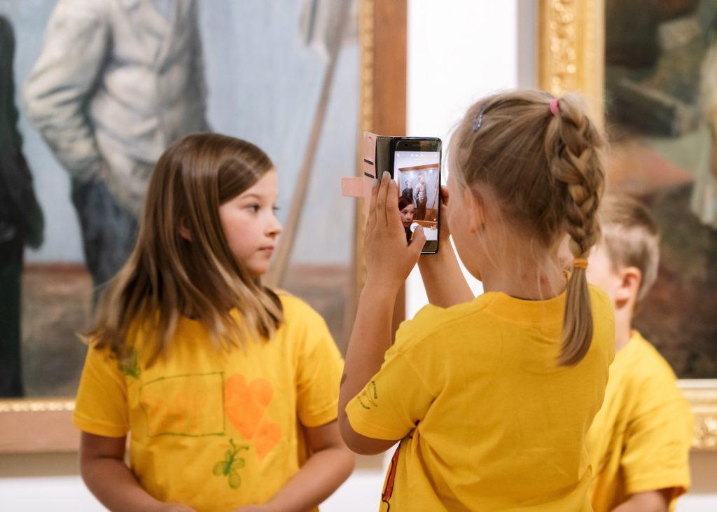 In Serlachius Museen ist das Fotografieren für private Zwecken und ohne Blitzlicht erlaubt
