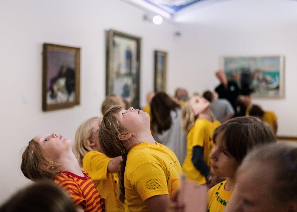 Taidetarinoita lapsille Serlachius museossa