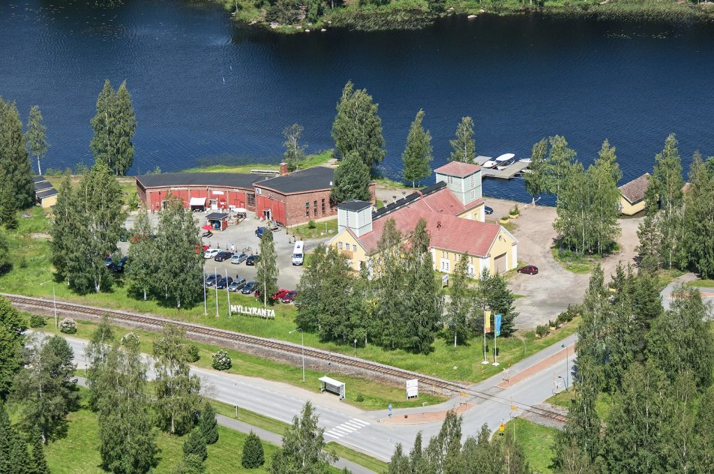 Myllyranta with its unique boutiques by the Lake Keurusselkä.