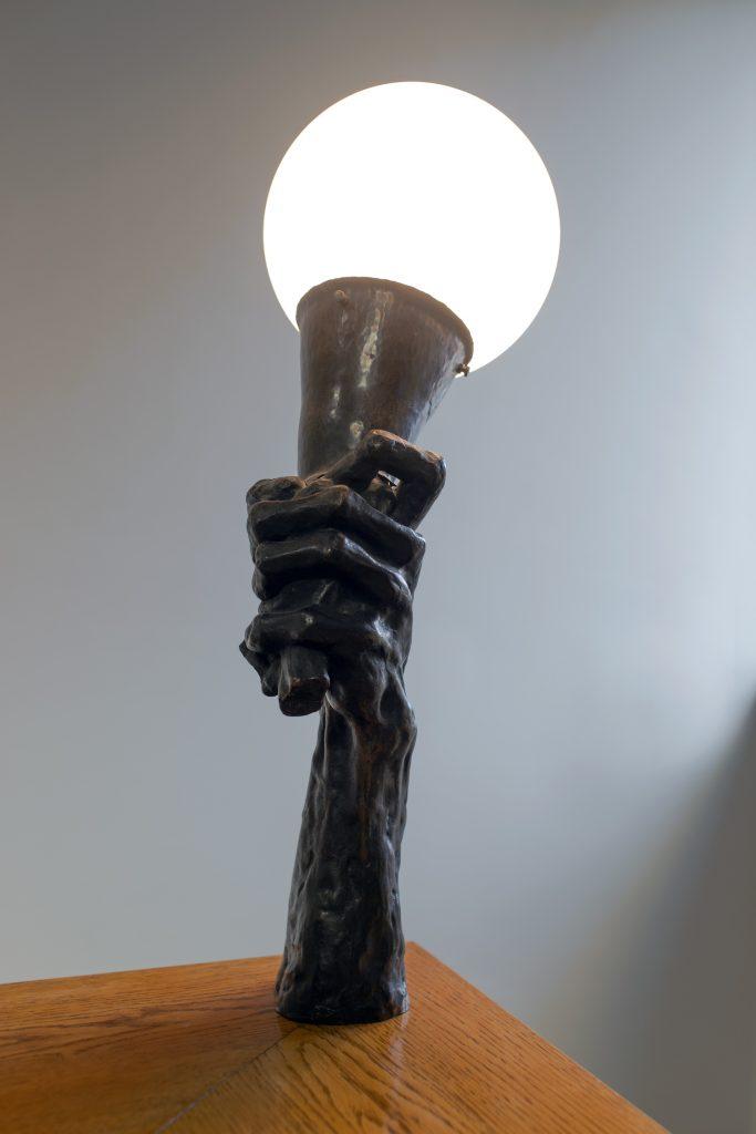 Ett ljusarmatur i Serlachiusmuseet Göstas herrgård.