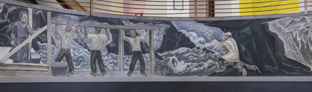 Lennart Segerstråle, Mäntän syntyhistoria, friisi Serlachius-museo Gustafin aulaa kiertävässä parvekkeessa,  28 x 0,8 m, 1937, stucco lustro. Kuvat: Sampo Linkoneva.