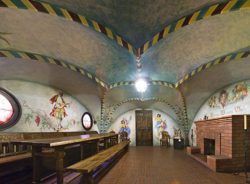 Weinstube des alten Gutshofs im Serlachius Museum Gösta.