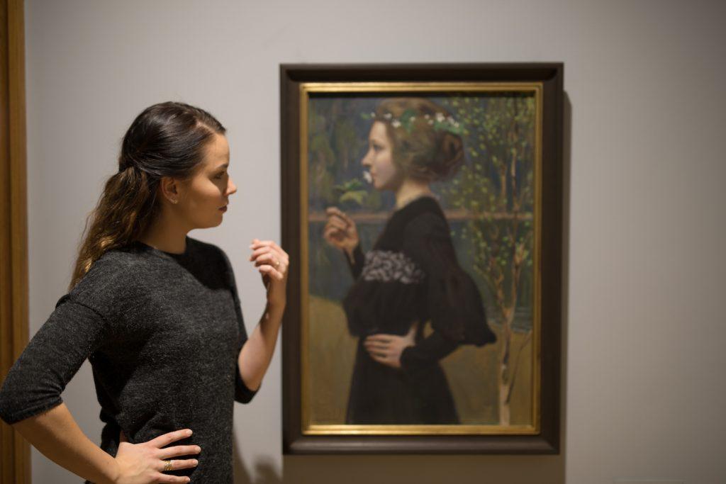 Nainen ja Gallen-Kallelan teos Serlachius-museo Gösta